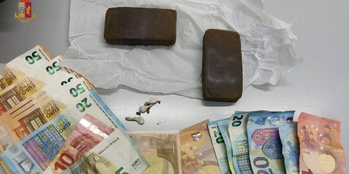 Salerno, arrestato a Pastena il pusher dello spaccio porta a porta