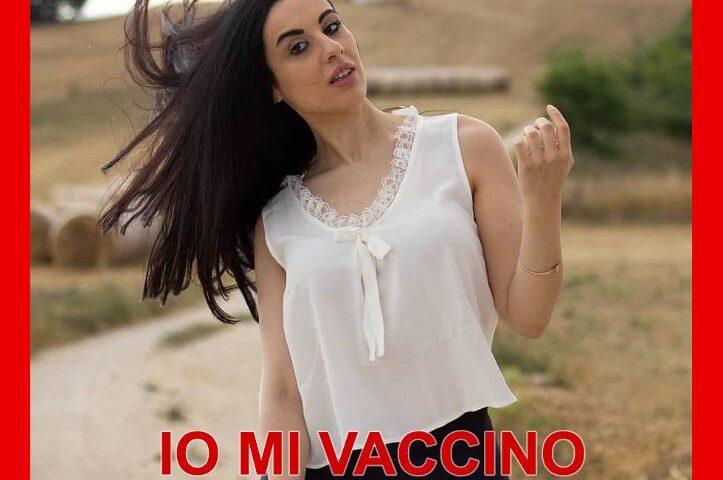Vaccino Covid-19, l'influencer Mafalda De Simone aderisce alla campagna pro-vax. Appello a De Luca