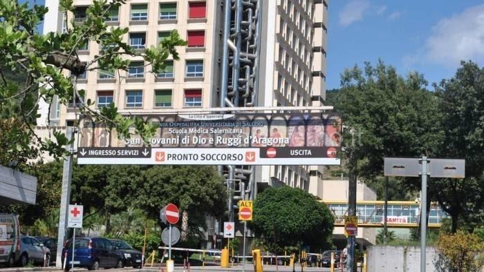 Mensa dell'ospedale Ruggi, lavoratori in sciopero