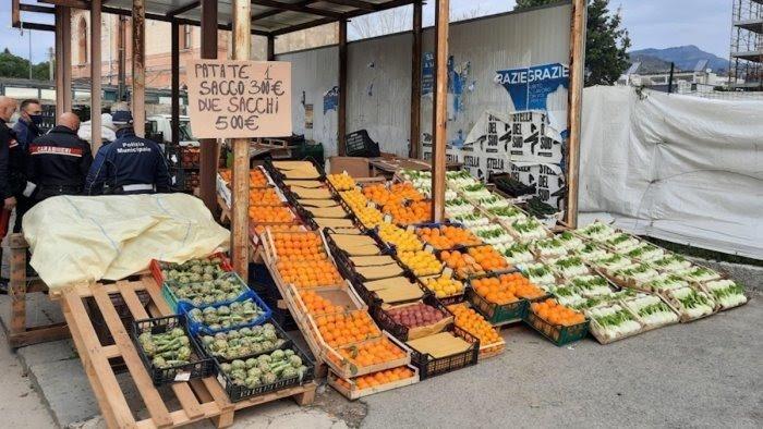 Salerno, sequestrati a Mariconda 5 quintali di frutta