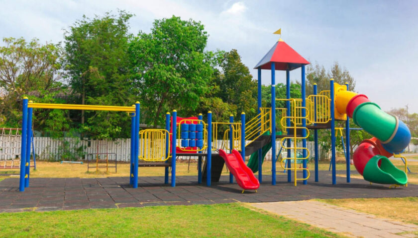 """Salerno, bambini e genitori: """"Riaprire i parchi"""""""