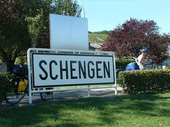 Il 26 marzo 1995 entra in vigore il trattato di Schengen