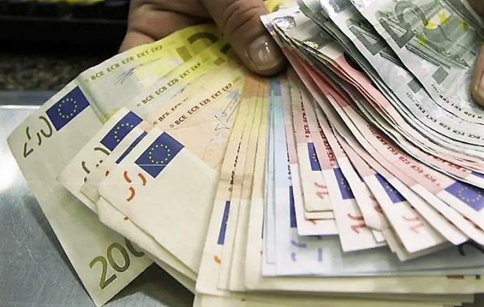 Nel 2020 l'indebitamento medio delle famiglie salernitane è di quasi 30mila euro