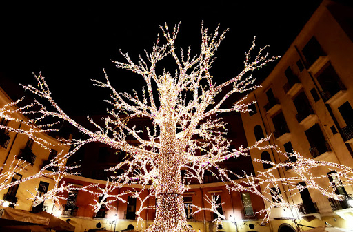 Covid, dopo Natale a Salerno si spengono anche le luci di Pasqua