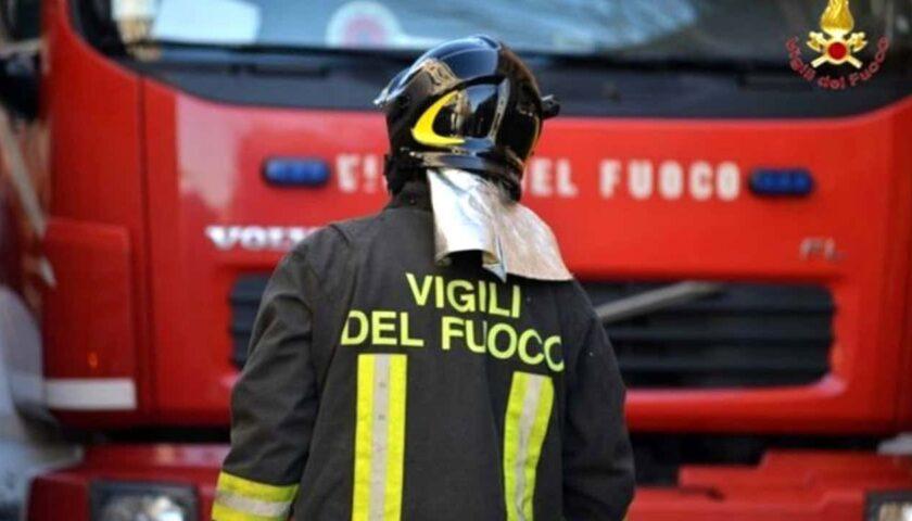 Incendio a Castel San Giorgio, fiamme domate in due ore