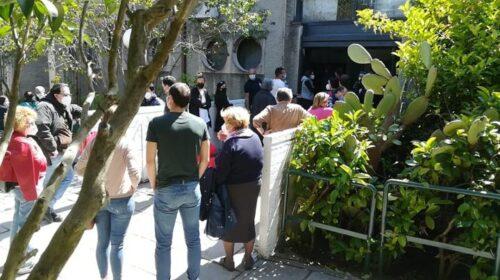 Le associazioni salernitane: all'hub vaccinale del Centro Sociale l'apice della disorganizzazione a danno dei più fragili