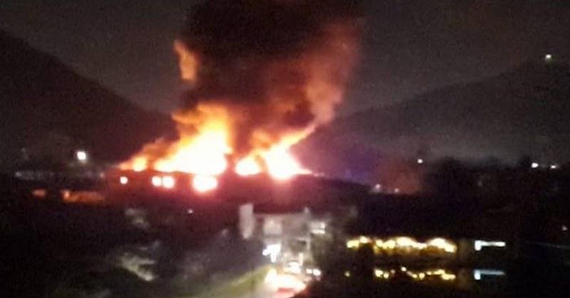 Nocera Inferiore, vasto incendio nella notte a Fosso Imperatore: si indaga