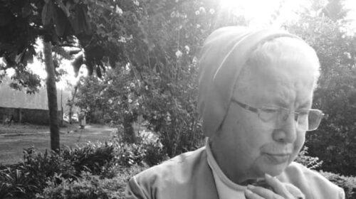 Padula piange suor Maria, la missionaria morta di covid in India