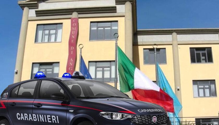 Blitz dei carabinieri contro i furbetti del cartellino al Comune di Angri