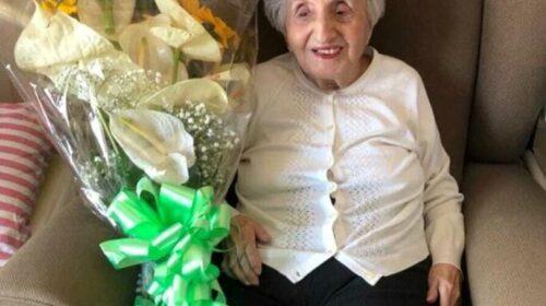 La signora Ester compie 100 anni, gli auguri del sindaco di Salerno