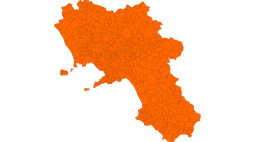 Campania da lunedì diventa zona arancione