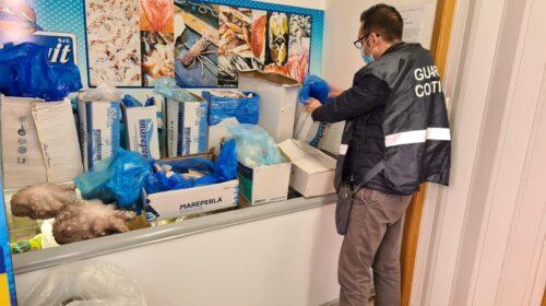 Guardia costiera a tutela del consumatore: sequestrati nel Salernitano 125 chilogrammi di pesce senza tracciabilità