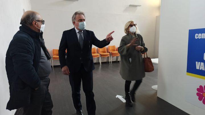 EMERGENZA COVID-19, PRIME VACCINAZIONI AL POLO VACCINALE DI GIFFONI VALLE PIANA