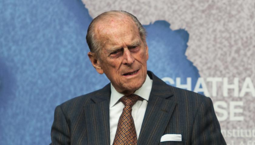 Muore Filippo di Edimburgo, la sua vita accanto alla Regina Elisabetta II