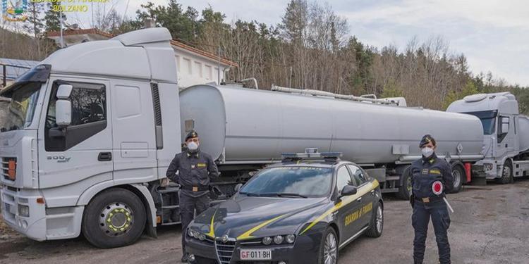 Frode nel settore carburante, sequestri per 18 milioni effettuati anche a Salerno