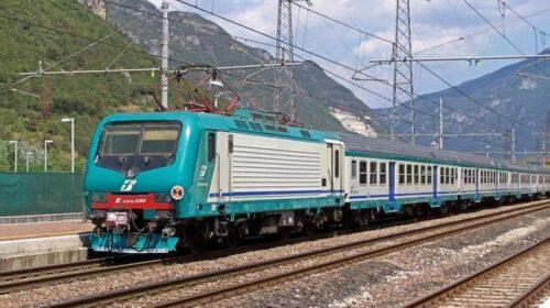 Travolto da un treno a Torre Annunziata: muore 30enne di Cava
