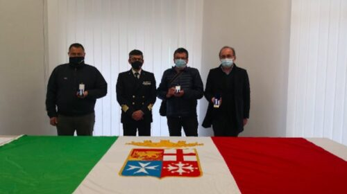 Consegnate a Salerno medaglie d'onore di lunga navigazione