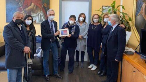 Al Ruggi di Salerno donazione di 8 tablet