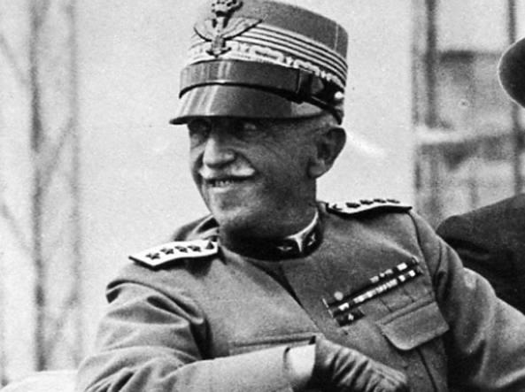 Il 12 aprile 1944 Vittorio Emanuele annuncia di abdicare in favore del figlio