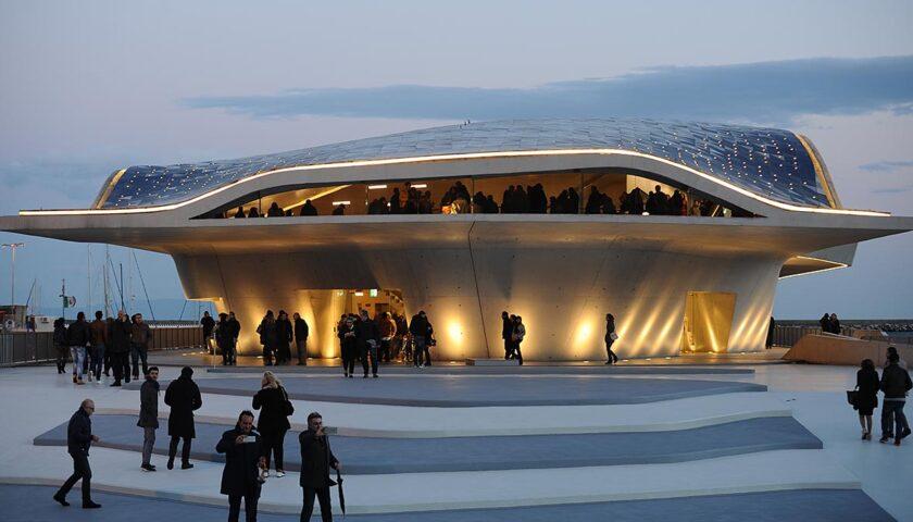 """Ritornano gli eventi artistici targati Art Experience con la """"Primavera Artistica"""" alla Stazione Marittima di Zaha Hadid e non solo"""