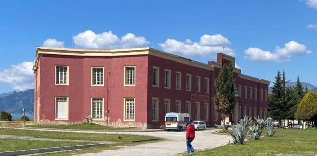 Salerno, il gruppo Oltre: un unico centro vaccinale