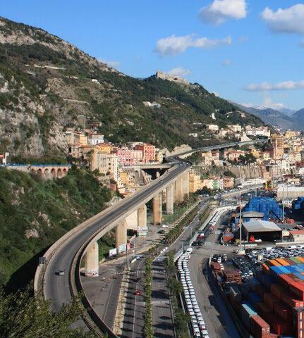 Salerno, transito alternato per 20 giorni in via Gatto