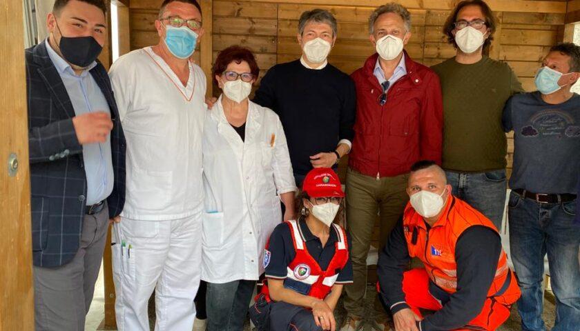 Vaccini, record a Roccadaspide il 1 Maggio: 300 inoculazioni, il consigliere regionale Pellegrino in visita