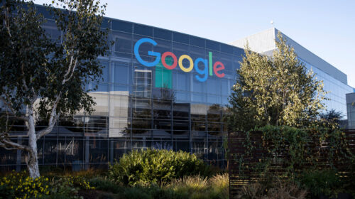 Abuso posizione dominante, 100milioni di multa a Google dall'Antitrust