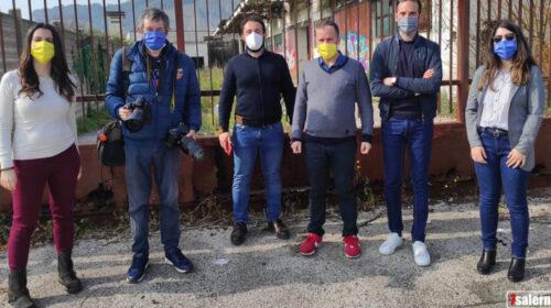 """Dritti al punto: tour nella Salerno abbandonata"""", tappa all'ufficio comunale di Fratte chiuso del 2019"""