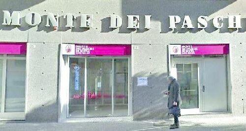 La banca non paga il debito all'imprenditore, pignorato il Monte dei Paschi di corso Vittorio Emanuele a Salerno