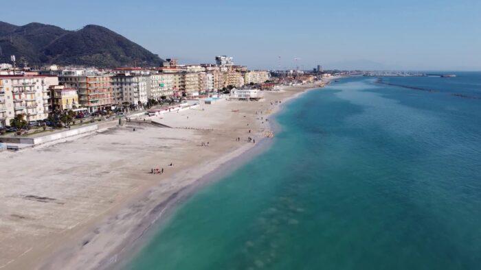 Salerno, approvato il bando delle concessioni sui servizi balneari