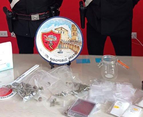 Droga, arrestato pusher salernitano in via della Sanginella