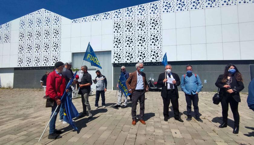 Salerno, chiusura la Fabbrica: nuovi presidi
