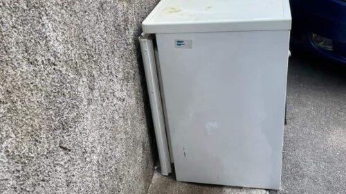 """Scarica frigorifero in strada, a Baronissi """"sanzionata la cafonaggine"""""""
