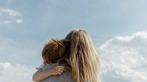 """FdI: """"Festa della mamma"""", sostenere la maternità per festeggiare davvero"""