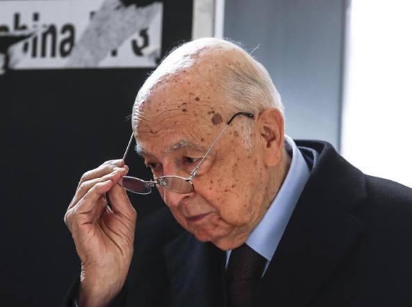 Il 10 maggio 2006 l'ex comunista Napolitano diventa capo dello Stato