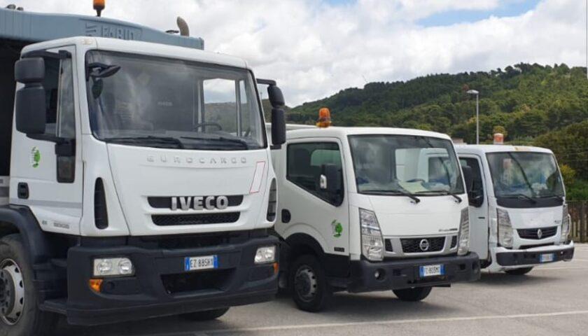 Tre nuovi mezzi della Regione Campania per implementare la raccolta rifiuti a Pagani