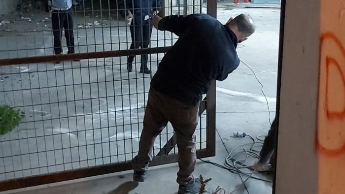 """Scafati: alloggio abusivo nel garage del centro """"Plaza"""", arrivano i Vigili"""