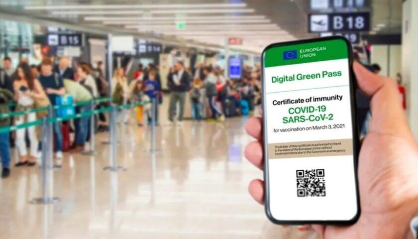 Green pass: dopo Ferragosto forse obbligatorio anche per navi, aerei e treni