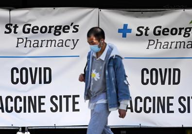 In Inghilterra 12 morti per variante indiana al covid: erano vaccinati