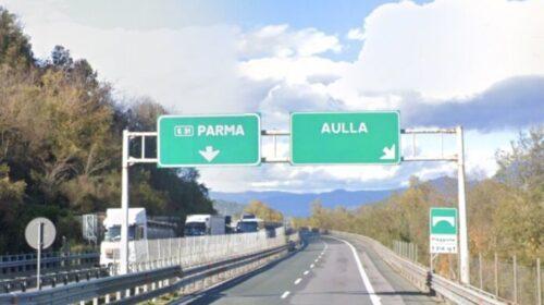 Da La Spezia a Salerno ma litiga con la moglie e la lascia in autostrada