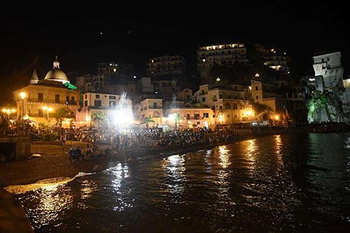Covid, a Cetara annullati processione per San Pietro e Paolo e fuochi a mare