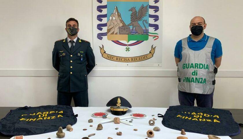 Reperti archeologici in una no profit: sequestro ad Agropoli