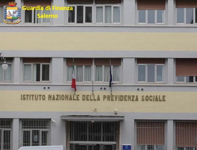 DIPENDENTE DELL'INPS SOSPESO PER UN ANNO: AIUTAVA IL FIGLIO A GESTIRE LE PRATICHE DEL SUO PATRONATO