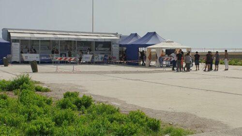 Salerno, malore al centro vaccinale al Capitolo San Matteo: caos per l'ambulanza che non sarebbe partita per il Ruggi