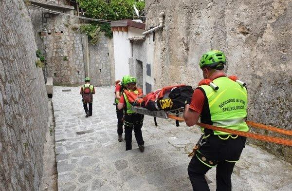 Turista inglese si fa male in Costiera Amalfitana, salvata dal soccorso alpino