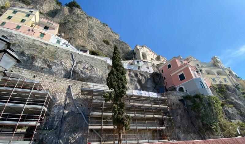 Amalfi, ponteggio per via Annunziatela: strada chiusa 4 giorni di notte