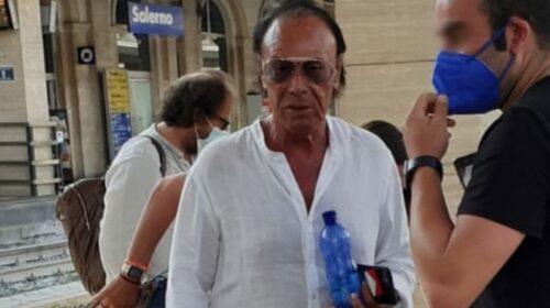 Antonello Venditti in stazione a Salerno tra selfie e autografi