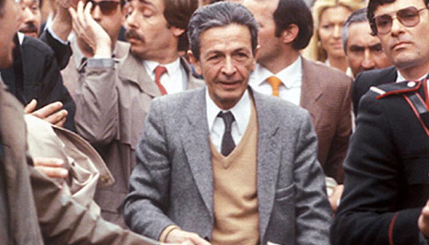 L'11 giugno 1984 l'Italia perde il leader del Pci Enrico Berlinguer