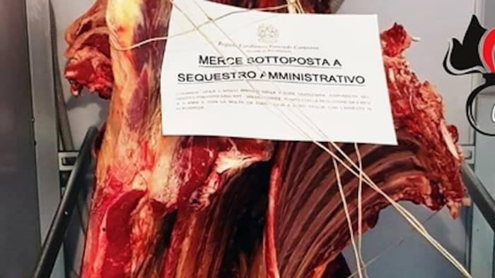 Pagani, carne dalla dubbia provenienza e smaltimento illecito di rifiuti: sequestro per oltre mezza tonnellata di merce